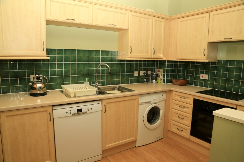 04-Kitchen. Exeter Self Catering