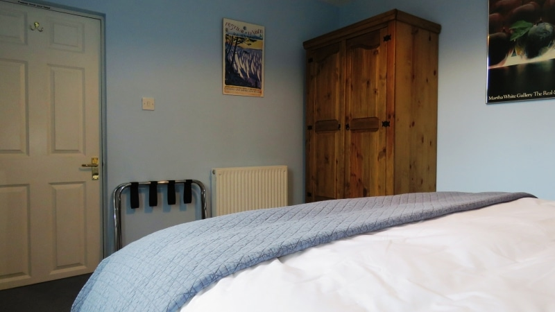 07-Second bedroom. Exeter Self Catering