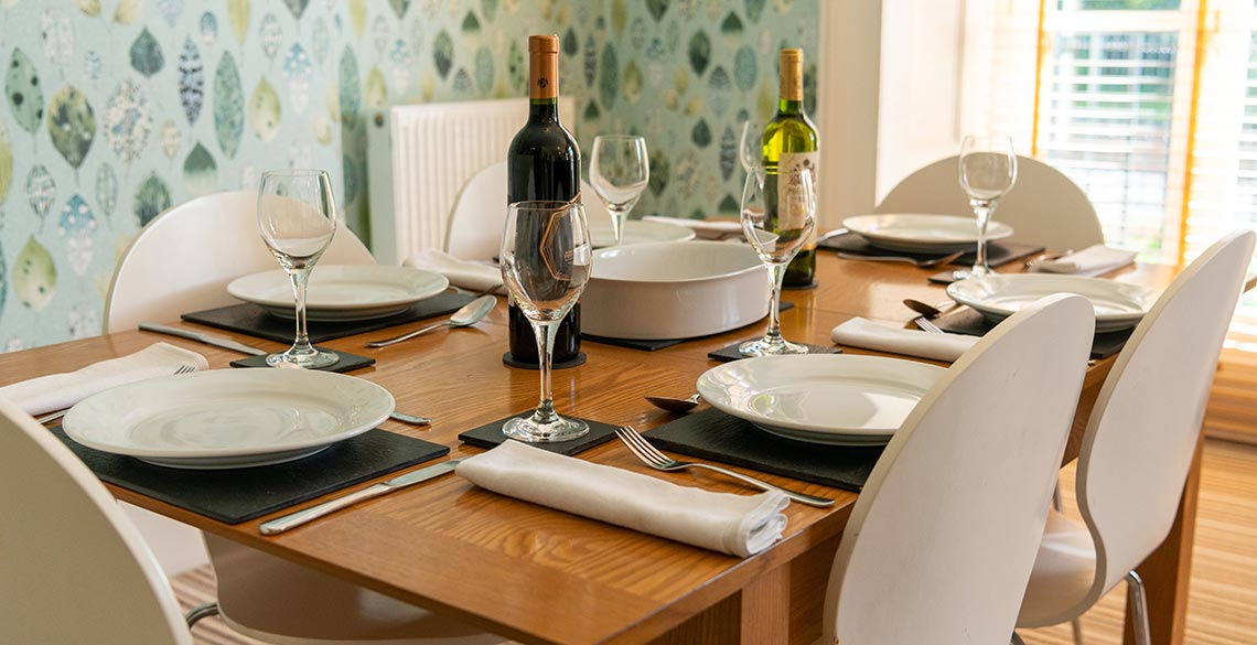 Dining Area Exeter Self Catering Exeter Serviced Apartments Exeter